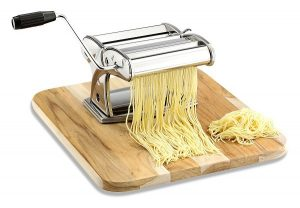 best-pasta-maker-machine-with-hand-crank